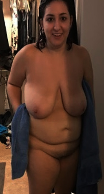 femmes sexy ayant le sexe anal